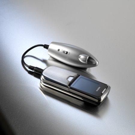 Univerzální akumulátorová nabíječka powermonkey classic v2 - stříbrná 2200 mAh